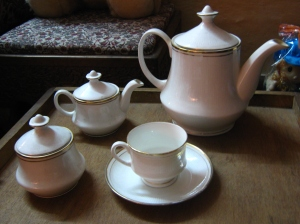 Tea_set,_bone